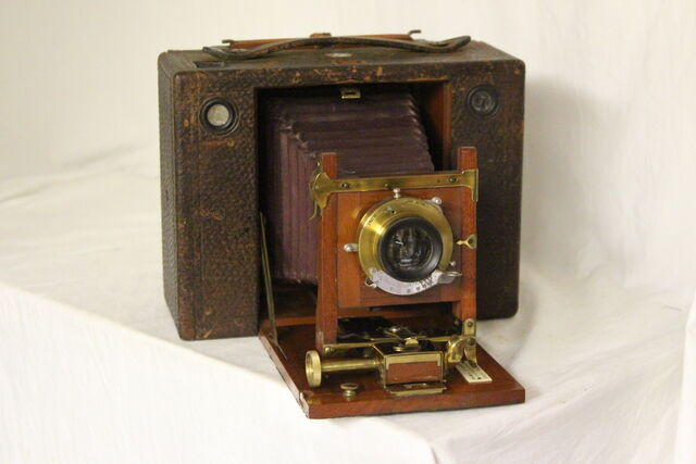 File:Cameras 001.jpg