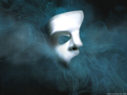 Phantom-Mask-the-phantom-of-the-opera-1986-5365168-1024-768