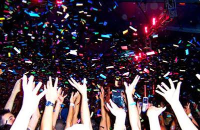 File:Confetti party-1320.jpg