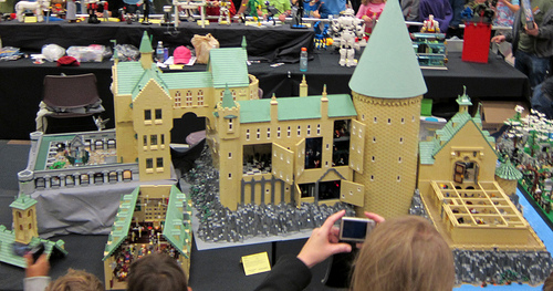 File:Brickcon 2011.jpg