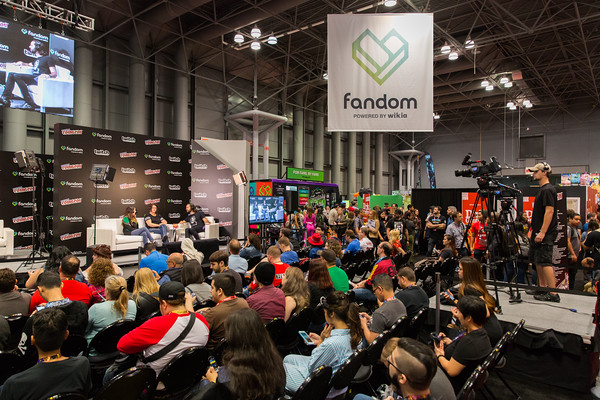 File:NYCC-twitchlivestage.jpg