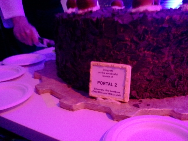 File:Close up portal cake.jpg