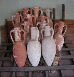 Amphorae.jpg
