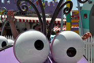 Universal-Studios-Despicable-Me-2-Ride-Hollywood-2