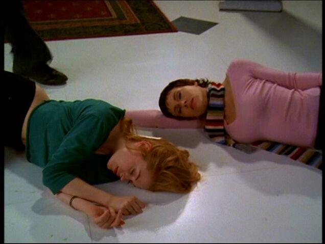 File:Phoebe and Paige killed in IDOP.jpg