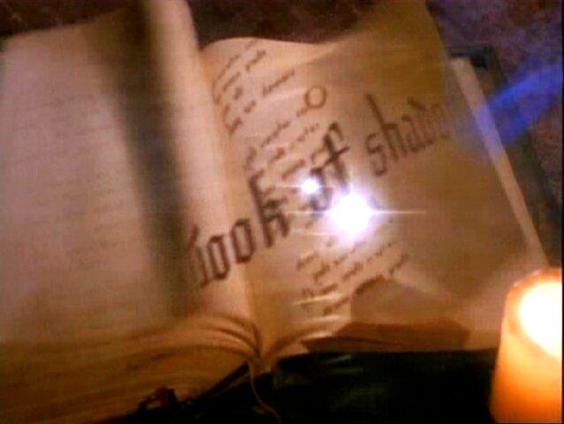 Фајл:1x10-Book-Erase.jpg
