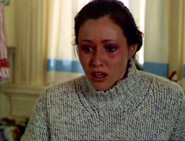 File:3x05-Prue Abbey.jpg