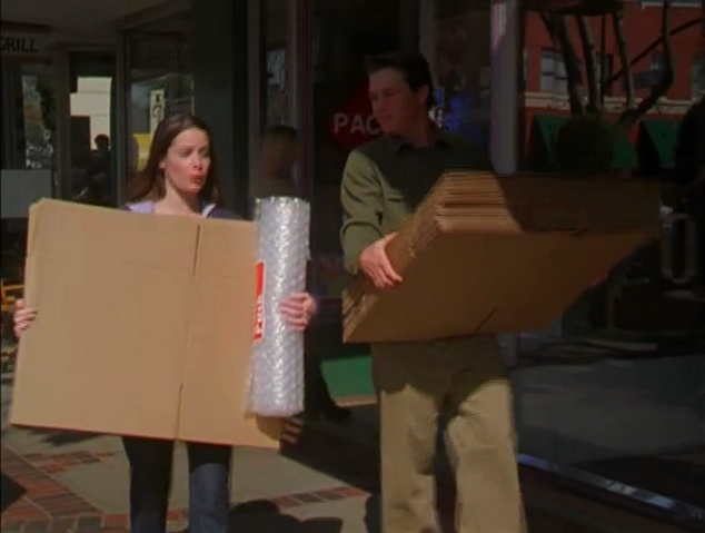 File:Leo Piper with Boxes.png