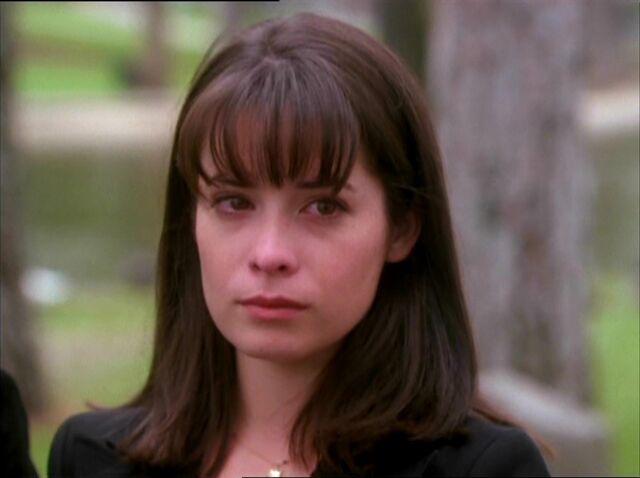 File:1x04-Piper.jpg