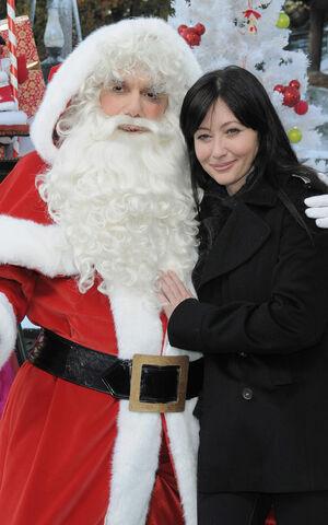 File:Shannen Santa.jpg