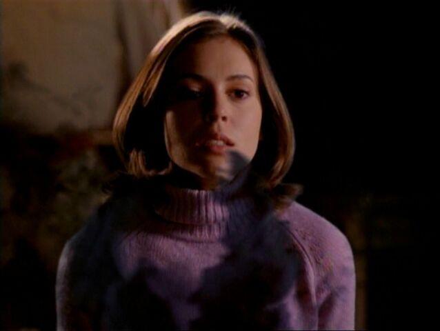 File:1x15-PhoebeWoogy.jpg