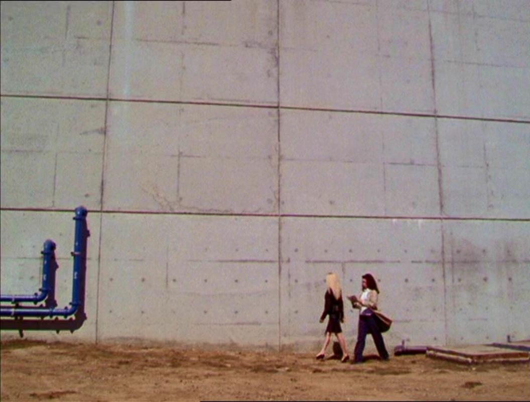 Фајл:2x02-Prison.jpg