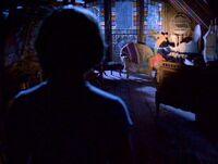 1x01-PhoebeDiscovers