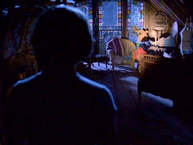 File:1x01-PhoebeDiscovers.jpg