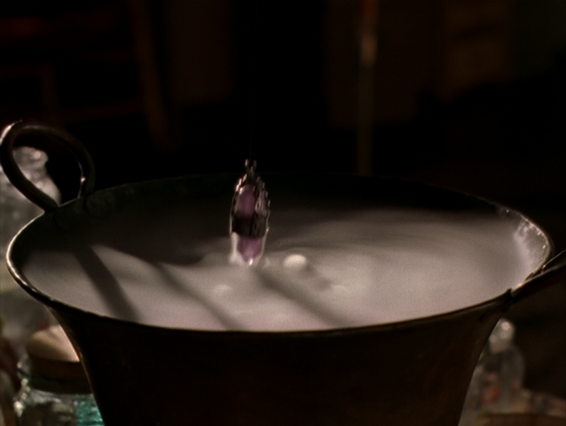 File:8x07ScryingPotion.png