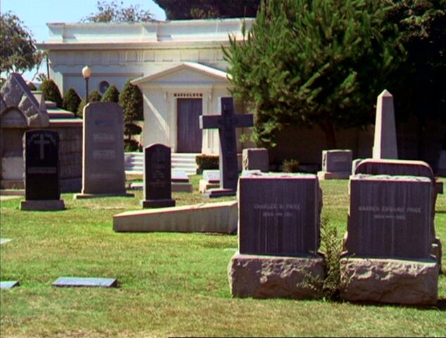 File:Mausoleum.jpg