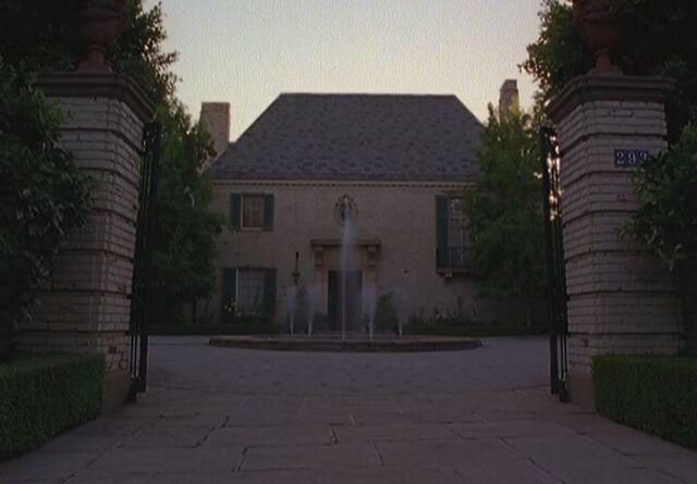 File:Montana estate.JPG