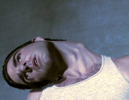 Человек умрет если сломать шею