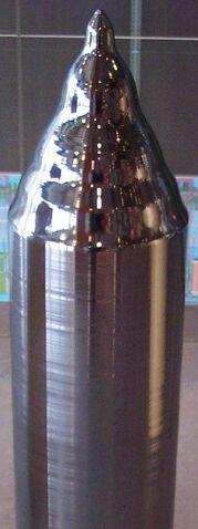 File:Monokristalines Silizium für die Waferherstellung.jpg