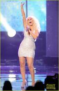 Christina-aguilera-amas-2011-01