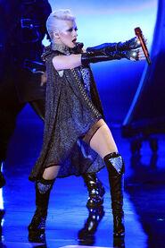 Christina+Aguilera+2010+MTV+Movie+Awards+Show+1bjkdfqZRdYl