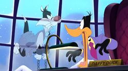 Daffy meets Sylvester's ghost
