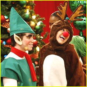 File:Hannah-montana-reindeer-holiday.jpg