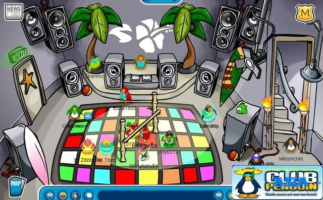 File:Danceclubsummer07.jpg