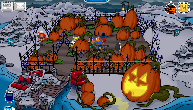 File:Halloween 2008 Dock.PNG