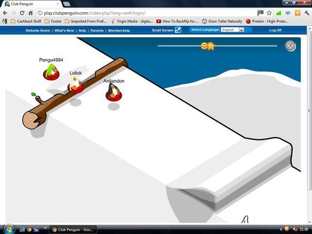 File:White penguin sled race.jpg
