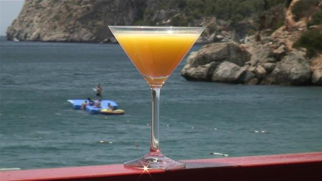 File:Eye-Opener Cocktail.jpg