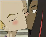 Odd kisses Samantha