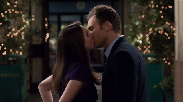 File:1x25 Jeff and Annie outside5.jpg