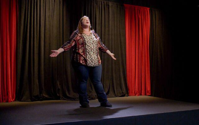 File:Vicki performing.jpg