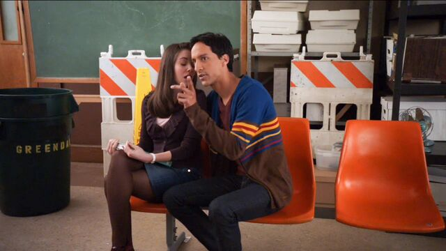 File:1x17 Annie and Abed7.jpg