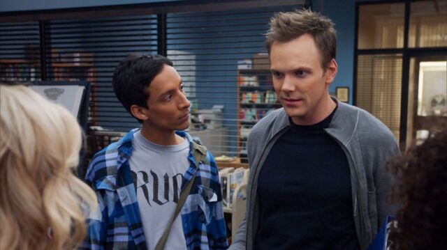 File:1x13 Jeff and Abed 1.jpg