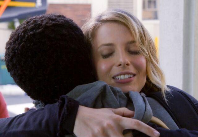 File:Britta hugs Troy.jpg