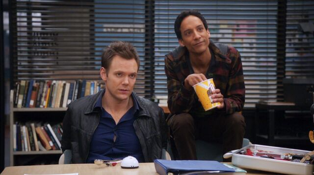 File:1x20 Jeff and Abed 1.jpg