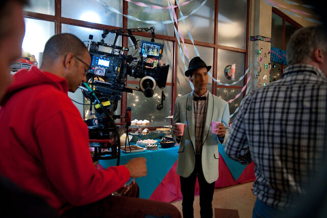 File:4x8 Behind the scenes photo 14.jpg