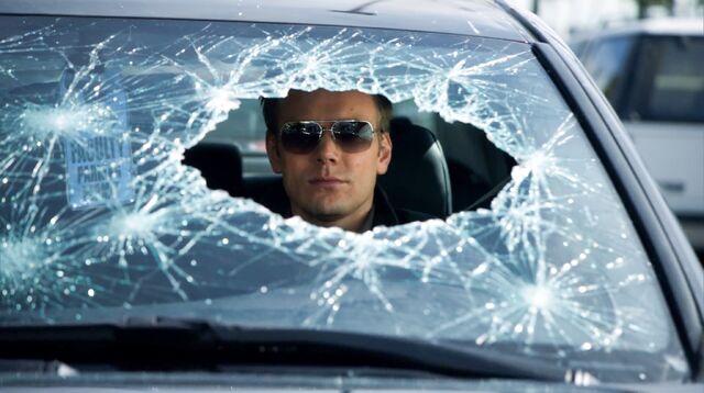 File:1x25 Jeff windshield.jpg