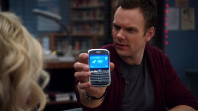 File:1x22 Jeff plays voicemail for Britta.jpg
