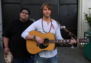 Vaughn serenades Annie
