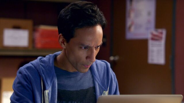 File:6x1 Abed work montage clothing 4.jpg