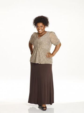 File:Community s2 yvette nicole brown 003 595.jpg