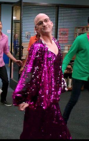 File:Dean Pelton as Diana Ross.jpg