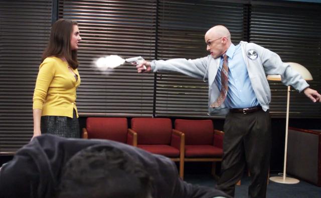 File:CTAID Dean Pelton shoots Annie.png