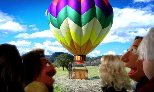 File:4X9 Going on a Balloon ride.jpg