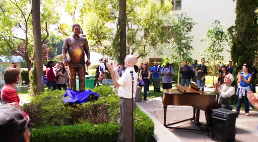 File:Statue unveiling.png