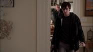 1x06 Julian 04