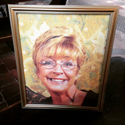 File:Deirdre Barlow funeral photo.png